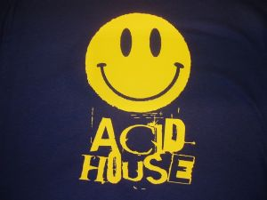 WOMENS RETRO RAVE SMILEY FACE `ACID HOUSE` T-SHIRT